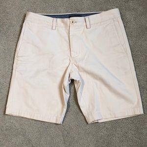 Banana Republic cream shorts size 30